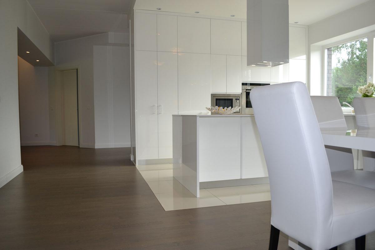 eramu v rus 2014. Black Bedroom Furniture Sets. Home Design Ideas